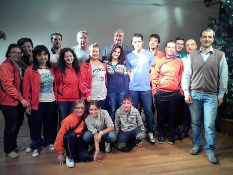 I dirigenti del Gso Valgreghentino con Bruno Pizzul